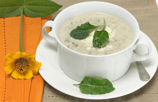 Суп со шпинатом и сыром