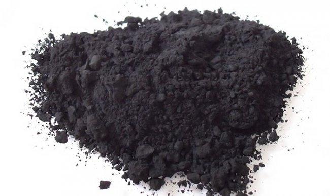 Размолотый активированный уголь